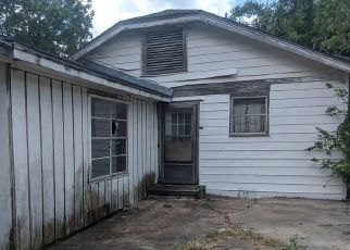 Foreclosed Home in Victoria 77901 N GOLDMAN ST - Property ID: 4411276439