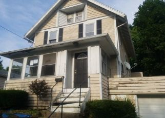 Foreclosed Home in Akron 44314 17TH ST SW - Property ID: 4411295269
