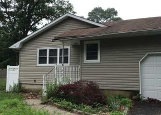 Foreclosed Home in Mastic Beach 11951 MAGNOLIA DR - Property ID: 4411299210
