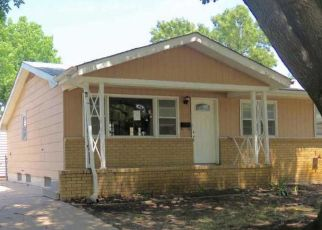 Foreclosed Home in Wichita 67217 W ANITA AVE - Property ID: 4411330759