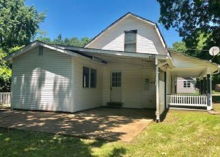 Foreclosed Home in Valley Park 63088 BOYD AVE - Property ID: 4411356149