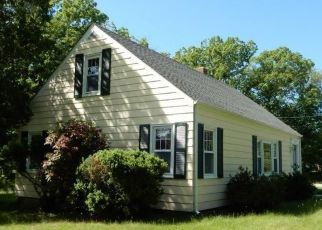 Foreclosed Home in Chepachet 02814 CHOPMIST HILL RD - Property ID: 4411388117