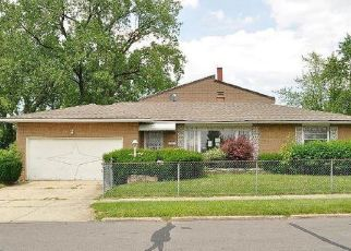 Foreclosed Home in Cleveland 44128 LEE RD - Property ID: 4411526979