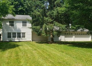 Foreclosed Home in Farmington 48334 ALYCEKAY ST - Property ID: 4411564637