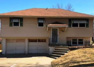 Foreclosed Home in Liberty 64068 LEE DR - Property ID: 4411699976