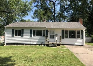 Foreclosed Home in Kansas City 64118 NE 56TH TER - Property ID: 4411707408