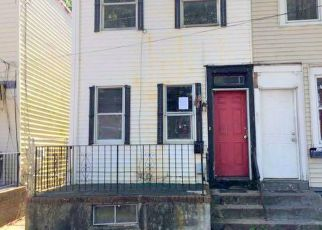 Foreclosed Home in Trenton 08638 POPLAR ST - Property ID: 4411840104