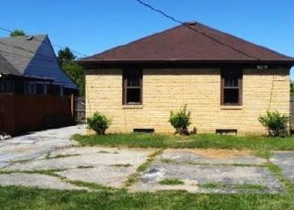 Foreclosed Home in Indianapolis 46219 N LELAND AVE - Property ID: 4411851507