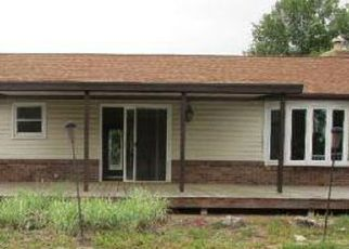 Foreclosed Home in Edwardsville 62025 ALEXANDER DR - Property ID: 4411865968