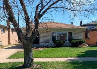 Foreclosed Home in Calumet City 60409 ESCANABA AVE - Property ID: 4411917186