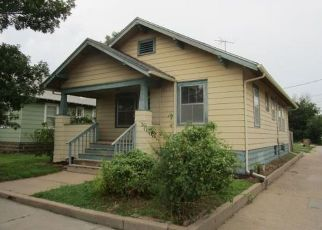 Foreclosed Home in Hutchinson 67501 N WASHINGTON ST - Property ID: 4411945672