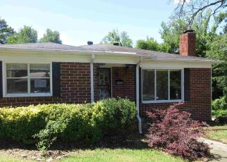Foreclosed Home in Birmingham 35217 MOUNTAIN DR - Property ID: 4411949164