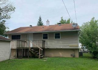 Foreclosed Home in Fort Wayne 46825 TULIP TREE RD - Property ID: 4411978516
