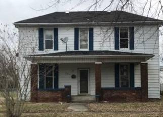 Foreclosed Home in Clinton 47842 MULBERRY ST - Property ID: 4411982457