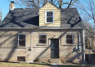 Foreclosed Home in Chicago 60617 S YATES BLVD - Property ID: 4412002607