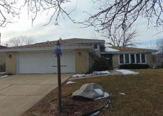 Foreclosed Home in Palos Hills 60465 S VICKY LN - Property ID: 4412003928