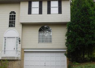 Foreclosed Home in Pittsburgh 15235 NEWPORT DR - Property ID: 4412260577