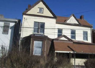 Foreclosed Home in Pittsburgh 15206 TENNIS ST - Property ID: 4412261445