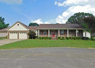 Foreclosed Home in Muscle Shoals 35661 PARK AVE - Property ID: 4412283790