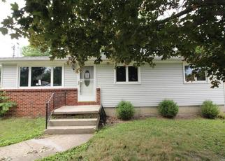 Foreclosed Home in Buffalo 14219 WILLOWDALE AVE - Property ID: 4412492703
