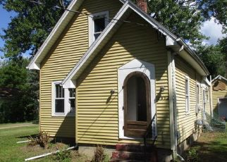 Foreclosed Home in Lansing 48911 W JOLLY RD - Property ID: 4412567595