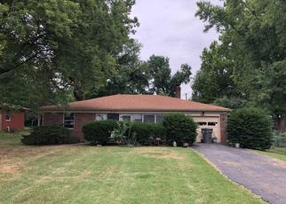 Foreclosed Home in Indianapolis 46222 EUGENE ST - Property ID: 4412607445