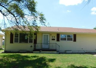 Foreclosed Home in Hutchinson 67502 SUNFLOWER AVE - Property ID: 4412642934