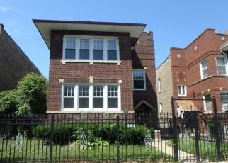 Foreclosed Home in Chicago 60649 S PAXTON AVE - Property ID: 4412671390