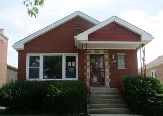 Foreclosed Home in Chicago 60652 W 83RD PL - Property ID: 4412678843