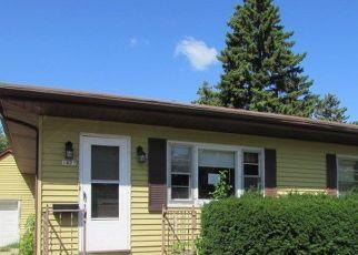 Foreclosed Home in Oshkosh 54901 HAZEL ST - Property ID: 4412811993