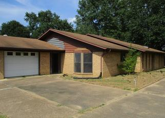 Foreclosed Home in Kilgore 75662 OAKWOOD DR - Property ID: 4412950826