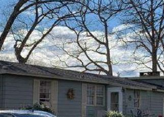 Foreclosed Home in North Kingstown 02852 EARLE DR - Property ID: 4413155795