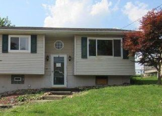 Foreclosed Home in Follansbee 26037 POPLAR LN - Property ID: 4413201333