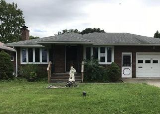 Foreclosed Home in Syracuse 13203 FEIGEL AVE - Property ID: 4413296377