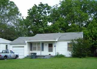Foreclosed Home in Oklahoma City 73115 SE 22ND ST - Property ID: 4413313459