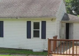 Foreclosed Home in Endicott 13760 IRVING AVE - Property ID: 4413366451