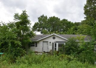 Foreclosed Home in Fulton 65251 COUNTY ROAD 311 - Property ID: 4413464114