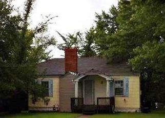 Foreclosed Home in Liberty 64068 N BROOKSIDE RD - Property ID: 4413471568