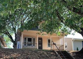 Foreclosed Home in Saint Joseph 64501 CHARLES ST - Property ID: 4413475512