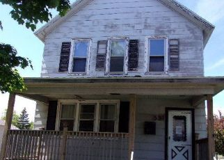 Foreclosed Home in Escanaba 49829 N 14TH ST - Property ID: 4413564866