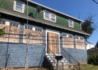 Foreclosed Home in Fall River 02724 KING ST - Property ID: 4413585442