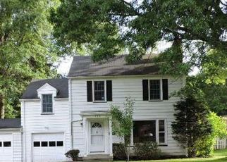 Foreclosed Home in Youngstown 44512 GOLFVIEW AVE - Property ID: 4413610406