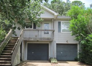 Foreclosed Home in Tallahassee 32301 PAUL RUSSELL CIR - Property ID: 4413640177