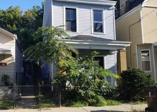 Foreclosed Home in Covington 41014 E 18TH ST - Property ID: 4413683552