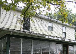 Foreclosed Home in Du Quoin 62832 S MULBERRY ST - Property ID: 4413723403