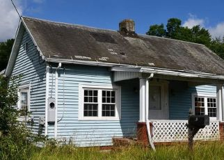Foreclosed Home in Fairmont 26554 WILLIAMS ST - Property ID: 4413933637