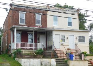 Foreclosed Home in Mount Ephraim 08059 W KINGS HWY - Property ID: 4414021218