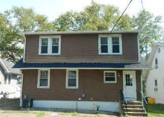 Foreclosed Home in Audubon 08106 W KINGS HWY - Property ID: 4414028224