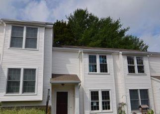 Foreclosed Home in Waterbury 06704 DEERWOOD LN - Property ID: 4414090425