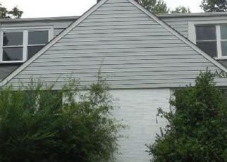 Foreclosed Home in Petersburg 23805 MATOAX AVE - Property ID: 4414128529